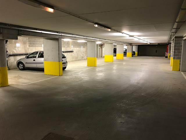 Parking intérieur - Uccle - #3132845-0